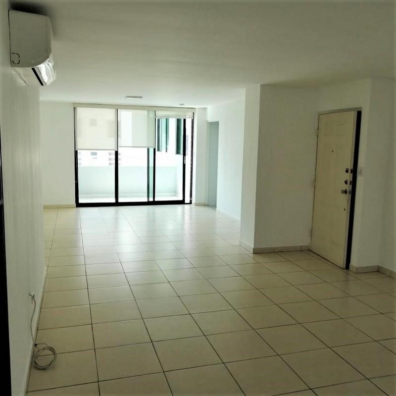 Brisas Marbella. Apartamento con Línea Blanca en Alquiler