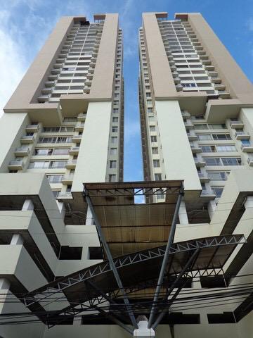 Victoria Hills Bello Apartamento Piso Alto con Línea Blanca en Alquiler