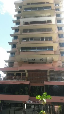 Los Pinos, Amplio y Comodo Apartamento en Bella Vista