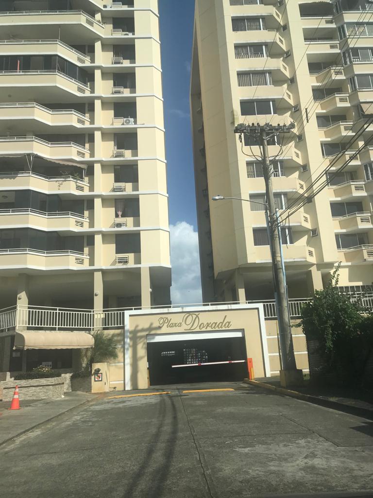 Plaza Dorada. Apartamento de 3 habitaciones en Alquiler